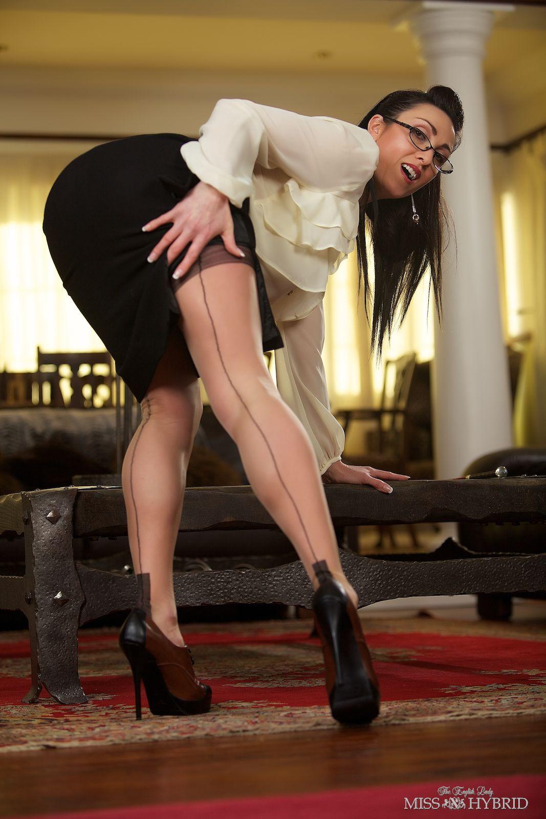 Busty Mistress 103